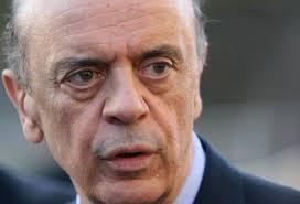 Greve no Ministério liderado por José Serra